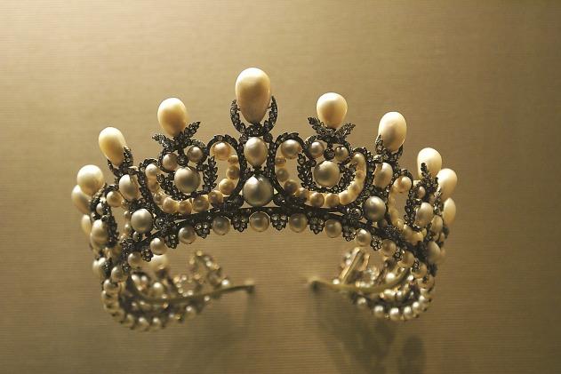 crown-1049927_1280